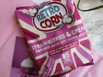Retro Corn Strawberries & Cream Popcorn